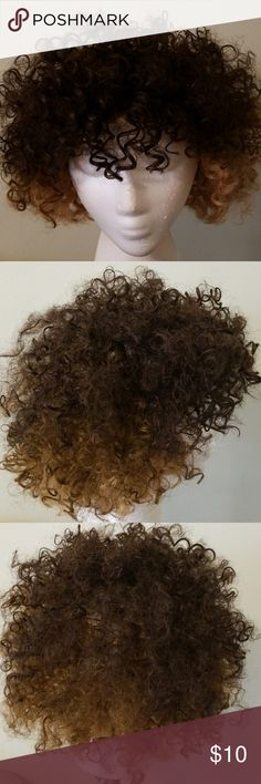 Wig Mix color curly brown wig with clips in the front and adjustable straps Shake n GO Other
