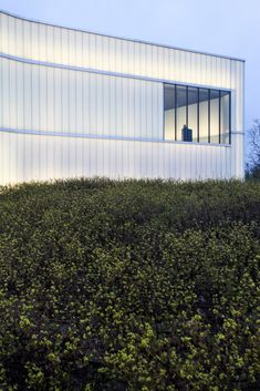 Stunning Glass Facade Building and Architecture Concept 42 - Rockindeco Gothic Architecture, Concept Architecture, Architecture Design, Installation Architecture, Ancient Architecture, Sustainable Architecture, Landscape Architecture, Steven Holl, Facade Design