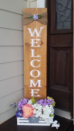 41 Marvelous Spring Porch Sign Decor Ideas & Designs For 2020 - Does it ever feel like time stands still in your miniature? The dolls stay the same age, and there's no sign of holidays or seasons passing them by. Welcome Signs Front Door, Wooden Welcome Signs, Front Porch Signs, Diy Wood Signs, Front Door Decor, Door Signs, Pallet Signs, Welcome Flowers, Diy Porch