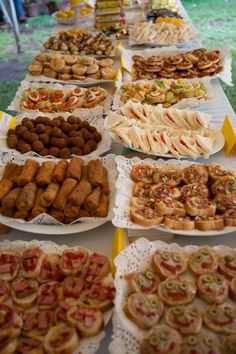 Party Trays, Party Buffet, Snacks Für Party, Wedding Buffet Food, Appetizers Table, Appetizers For Party, Appetizer Recipes, Appetizer Table Display, Pinterest Recipes