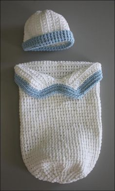 free patterns baby knitted baby cocoons - Google Search...  I need to learn how to knit!!