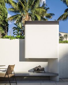Today's #MondayTheme outdoor #Fireplace is a preview from a recently completed and photographed #LuigiRosseliArchitects #TerraceHouse project in #Woollahra #Sydney.  Again a concrete plinth takes the heat while the vent detail at the top of the wide, forge-like, chimney, is painted with a Stove Bright heat resistant paint in a metallic black colour for contrast and practicality.  Look out for more images from the project appearing in the coming weeks. (Project #Architect @SeanPJohnson…