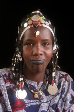 Africa | Young Fulani woman. Burkina Faso | ©Keith Smith