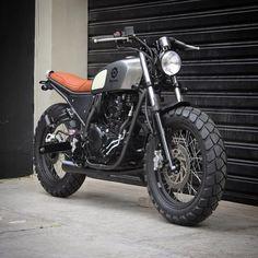 "1,064 Likes, 104 Comments - Bendita Macchina  (@benditamacchina) on Instagram: ""Lusco-fusco - Yamaha Fazer 250cc 0km."""