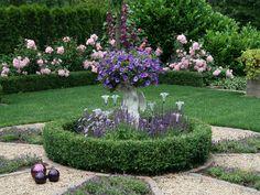 Blick ins Rosenbeet - Bilder und Fotos