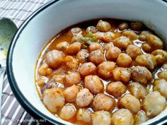 Chickpeas in Tomato Sauce/ Ρεβυθάδα