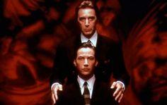 Kevin Lomax (Keanu Reeves), um advogado que nunca perdeu um caso, é seduzido pelo próprio Diabo, personificado John Milton (Al Pacino) . Muitas surpresas