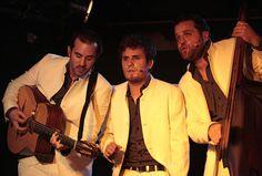 Polyphorire et mise en swing Trio vocal manouche à l'invitation facile, le Bignol Swing parcourt les routes du jazz depuis 2005. Le groupe synthétise trois univers : celui du jazz manouche acoustique, sorti de l'âme du génial Django Reinhardt, le jazz vocal polyphonique, inspiré par les Frères Jacques aussi bien que les Andrews Sisters, et …