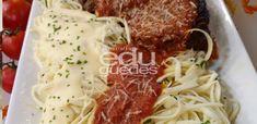Espaguete de pupunha: em uma panela refogue rapidamente a pupunha no azeite. Sirva com molho de sua preferência. Molho para o espaguete: em uma panela, derreta a manteiga, junte a farinha de trigo …