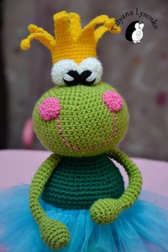Crochet Pattern the princess frog by magicfilament on Etsy https://www.etsy.com/listing/179763016/crochet-pattern-the-princess-frog