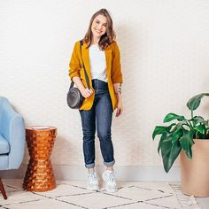 Lu Ferreira (@chatadegalocha) • Fotos e vídeos do Instagram Look Blazer, Blazers, Mom Jeans, Stylists, Casual Outfits, Street Style, Style Inspiration, Couture, My Style