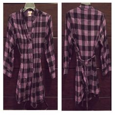 *FINAL PRICE* Juniors plaid top Button down / ties at the back / fits more of a small or a medium Tops Tunics