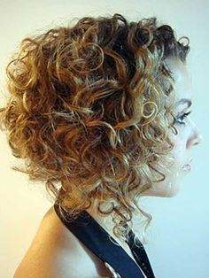 Gorgeous Short Curly Hair Ideas That You Must See - Frisuren - Short Hair Back View, Messy Short Hair, Short Permed Hair, Super Short Hair, Short Curly Haircuts, Edgy Hair, Short Hair Cuts, Curly Short, Trendy Haircuts