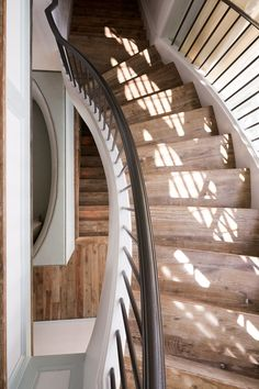 Stairs Trim, House Stairs, Stair Railing, Classical Architecture, Beautiful Architecture, Beautiful Series, Studio Mcgee, Life Design, Beach House Decor