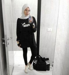 hijab sport Sporty Winter Workout Outfit for Women 06 Legging Outfits, Sporty Outfits, Trendy Outfits, Hijab Outfit, Muslim Fashion, Hijab Fashion, Sports Hijab, Hijab Mode, Modele Hijab