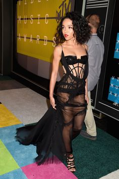 FKA Twigs at the MTV Video Music Awards on August 30.   - HarpersBAZAAR.com
