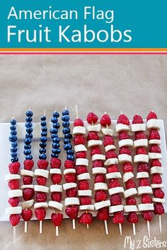 These are SUPER easy and impressive for a party and a great snack for the kids to put together. A pretty and healthy dessert for the kids and adults alike! #american #flag