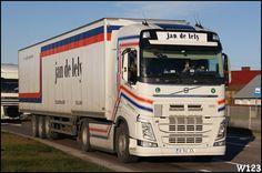 Jan de Lely Volvo Trucks, Jaba, Big Trucks, Buses, Vehicles, Stuff Stuff, Earn Money, Trucks, Busses
