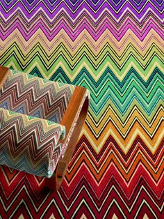 I am not to keen on chevron, i feel it is everywhere. But i do love Missoni print. And i love how you know what it is as soon as you see it. Would love to have a brand like that! Maybe we could try teal, yellow, grey, black and pepper in light pink?