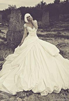 so beautiful! #sweetheart wedding dress#