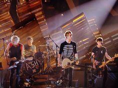 5SOS perform Amnesia - 2014 MTV VMAs
