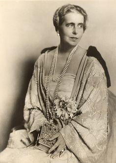 Princess Marie of Edinbirgh, princess of Saschen-Coburg-Gotha, later Queen of Romania. Princess Alexandra, Princess Beatrice, Mary I, Queen Mary, Princess Victoria, Queen Victoria, Michael I Of Romania, Von Hohenzollern, Romanian Royal Family