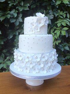 Blossom wedding cake by Dasa - http://cakesdecor.com/cakes/210013-blossom-wedding-cake