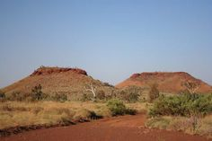 Cadjiput Spring is a spring in Western Australia and has an elevation of 439 meters. Earth News, Chichester, Future Travel, Western Australia, Geology, Adventure Travel, Places To See, Monument Valley, Westerns