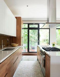 32 Stunning Modern Contemporary Kitchen Cabinet Design - Home Design Kitchen Design Open, Kitchen Cabinet Design, Interior Design Kitchen, Kitchen Designs, Diy Interior, Coastal Interior, Interior Modern, Interior Architecture, Interior Decorating