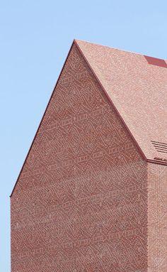 Ortner & Ortner Baukunst — Landesarchiv NRW Brick Architecture, Contemporary Architecture, Architecture Details, Interior Architecture, Architecture Portfolio, Landscape Architecture, Brick Bonds, Brick Detail, Brick Facade