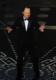 From Whoopi Goldberg, Jon Stewart and Ellen Degeneres to duos such as Anne Hathaway and James Franco to Alec Baldwin and Steve Martin, Global News chronicles the Oscars' popular hosts in pictures.   http://www.globalnews.ca/oscar+hosts+through+the+years/6442589023/story.html    Read it on Global News: Global News | GALLERY: Oscar hosts through the years