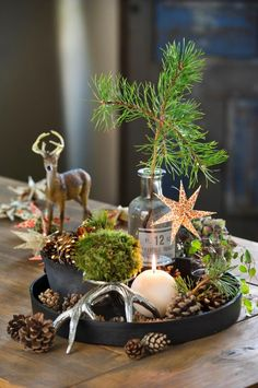 rustic christmas # 2020 Opret et let mrke - Jul diy ideer- Christmas Mantels, Rustic Christmas, Christmas Home, Christmas Holidays, Christmas Crafts, Christmas Ornaments, Winter Table, Deco Floral, Deco Table