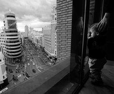 Ya es tuyo. Madrid. Gran vía. De fijaciones.org por una gran fotógrafa, Marta Pereyra.