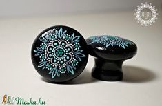 Vidám fenyő fogantyú - fekete nagy VIRÁG (VecskeFecske) - Meska.hu black wooden knob with blue flowers Unique, Crafts, Crafting, Diy Crafts, Craft, Arts And Crafts, Handmade Crafts