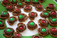 Great Christmas treat idea, especially for a cookie exchange.  If only we could eat this chocolate -- sigh!    Previous pin:  @Nancy Hampshire