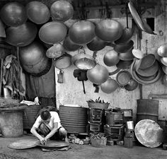 Fan Ho / Courtesy Modernbook Gallery: Woks, 1964, Hong Kong
