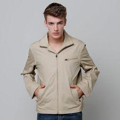 A jaqueta Timberland Stratham Poplin Bomber é estilosa, sem deixar o conforto de lado. Mesmo sendo à prova d'água ele possui entradas para maior respirabilidade e costura nos bolsos reforçadas.   Tags: Jaqueta, roupa, moda masculina, conforto, sustentável, ecológica, estilo