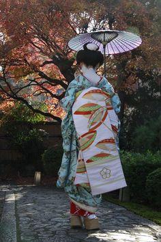 "okiya: ""Maiko Sayaka (via 京都 舞妓撮影会) """