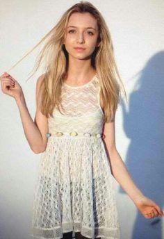 Hana Hayes~beautiful girl: hana + chandler= broken up:) Hana, Cute Hairstyles, Cute Dresses, Actors & Actresses, Lace Skirt, Princess, Beautiful, Musicians, March