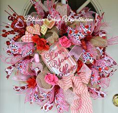 Valentine Wreath, Valentine's Day Wreath, Deco Mesh Wreath, Red Pink Wreath, Valentine Decor, Door Wreath, Valentine Gift, Valentine Heart by BlossomShopWreaths on Etsy