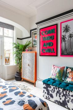 Video tour of a maximalist style rented Apartment in Birmingham UK. This rental has been injected with colour and personality through the use of contact paper (stickyvinyl) Room Ideas Bedroom, Bedroom Decor, Pop Art Bedroom, Bedroom Artwork, Decor Room, Casa Pop, Aesthetic Room Decor, Home And Deco, Eclectic Decor