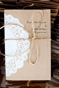 Pour un faire part nature et romantique. Papier scrap kraft, dentelle papier et ficelle de lin.
