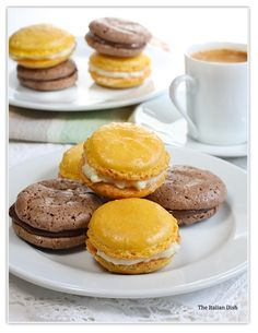 The Italian Dish - Posts - Daring Bakers - French Macarons - Lemon with White Chocolate Filling and Chocolate with Nutella Filling