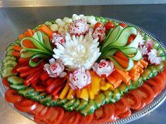 23 super Ideas fruit tray ideas for wedding appetizers - Fruit platter ideas party - Fruit Party Platters, Veggie Platters, Veggie Tray, Food Platters, Vegetable Trays, Party Buffet, Vegetable Tray Display, Vegetable Snacks, Party Trays