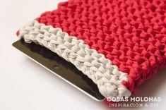 DIY Funda para Ipad de trapillo a dos agujas (nivel principiante) Crochet Fabric, Fabric Yarn, Knit Crochet, Diy Y Manualidades, Diy Tech, Diy Crafts, Crafty, Knitting, Creative