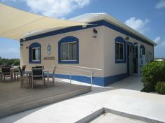 10 Best Kept Secrets of Grand Cayman - Anchors is the only place that sells alcohol on Sundays!