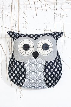 Chester Owl Cushion urban outfitters £18