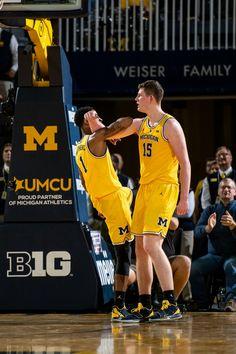 Charles Matthews and Jon Teske Michigan Athletics, Michigan Wolverines, Michigan Go Blue, Athlete, Basketball, Football, Sports, Play, Soccer