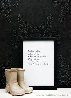 Sataa vettä, sataa lunta, sataa pieniä rakeita. Postcard 4,20 €, poster from 20,90 €.
