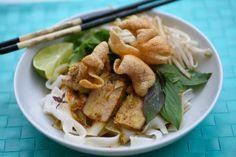 How To Make Cau Lau & Hoi An Special Noodles with Marinated Pork - Pork Recipe